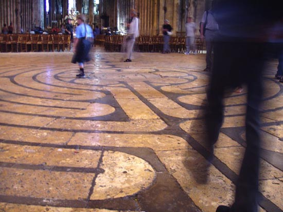 Chartres-Cathedral-labyrinth